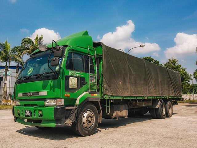 yoong mei15Ton30 Footer Cargo Lorry